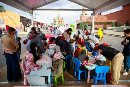 «Просвещение» на книжном фестивале «Красная площадь»: итоги первого дня