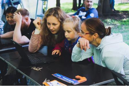 «Просвещение» и Geek teachers дебютировали на главном технологическом пикнике страны