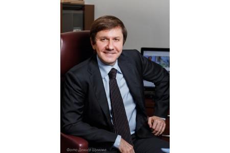 Председатель совета директоров «Просвещения» Владимир Узун награжден Почетной грамотой Президента РФ