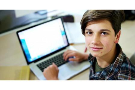 Один день из жизни «Мобильной школы». Экстренный переход в онлайн