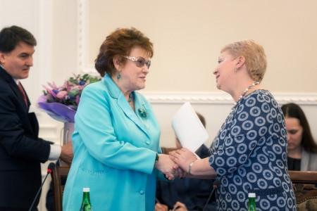 Ольга Васильева награждена Почетной грамотой Российской академии образования