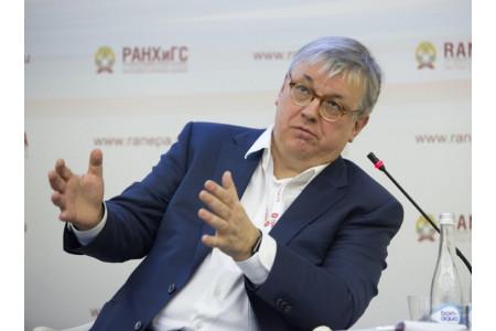 Важно отследить право вуза присуждать ученые степени по новым специальностям – Кузьминов