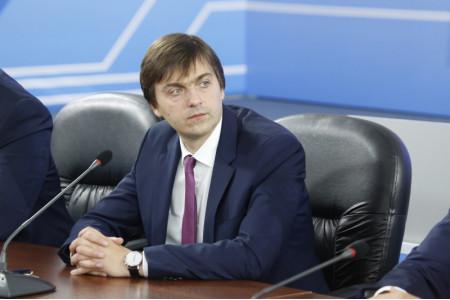 Сергей Кравцов поздравил педагогов с Днем учителя