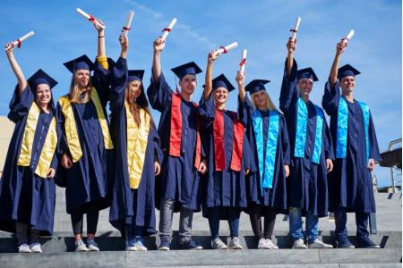 Минобрнауки РФ объявило конкурс на создание символа российского образования за рубежом