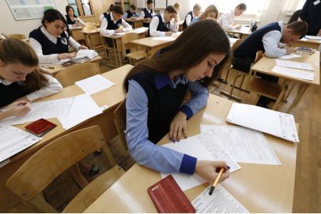 В Москве итоговое сочинение в дополнительный срок написали более 3,5 тысяч школьников