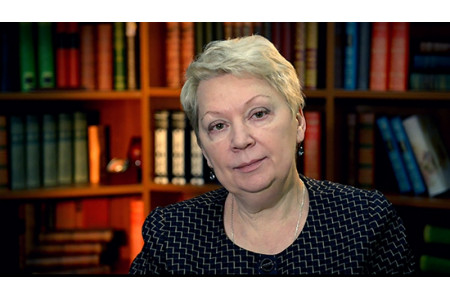 Министр просвещения РФ Ольга Васильева поздравила россиян с Днем молодежи